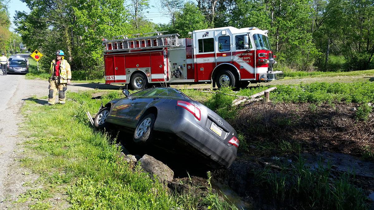 28 13 Pettis Road MVA - Vehicle Accident on Pettis Road